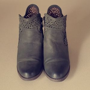Women's Not Rated Ankle Booties Size 9